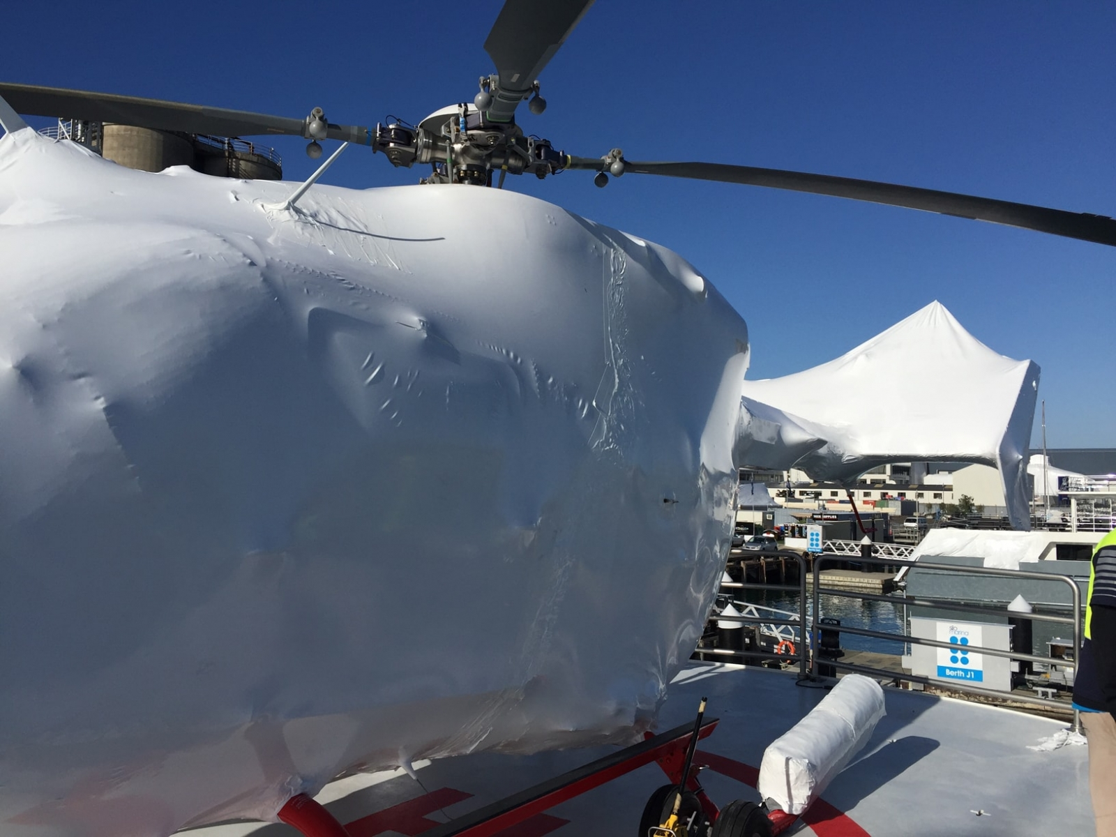 A1-Wrap-Shipping-Gallery-Image-6-Harbour-Heli-Auckland-2-min